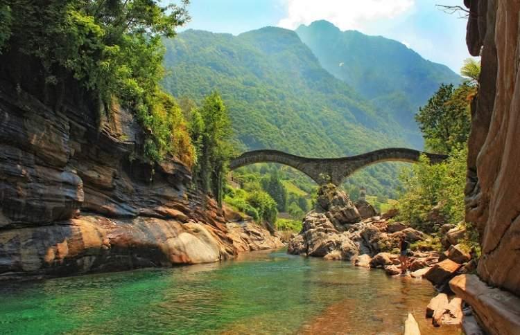 Ponte dei Salti Lavertezzo Valle Verzasca